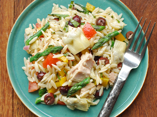 Post image for Orzo Salad with Asparagus, Artichokes, Tuna & Lemon Vodka Vinaigrette