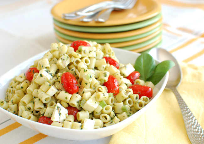 Post image for Pesto Macaroni Salad with Tomatoes, Corn and Fresh Mozzarella