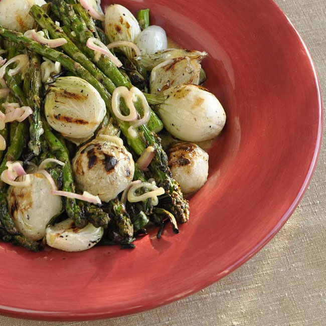 Post image for Grilled Asparagus and Spring Onions with Dijon Vinaigrette
