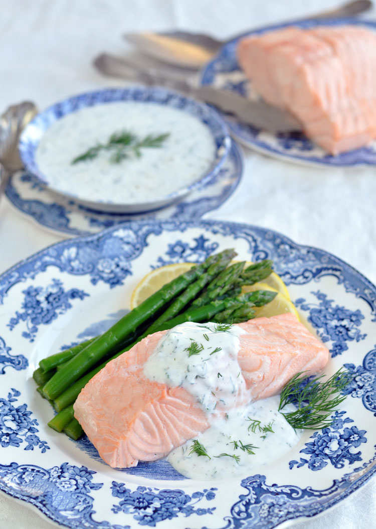 Post image for Poached Salmon with Creamy Dill Sauce